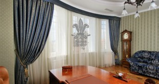 curtains-with-lambrequins-in-interior-design-home-office-photo